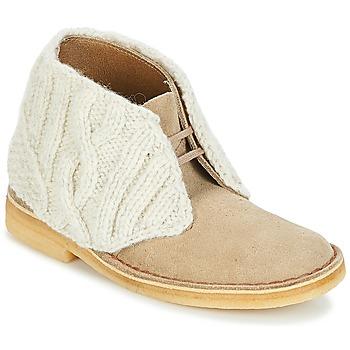 Schoenen Dames Laarzen Clarks DESERT BOOT Zand / Combi