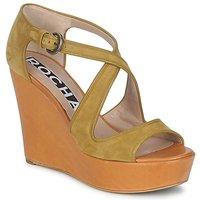 Schoenen Dames Sandalen / Open schoenen Rochas RO18131 Bruin