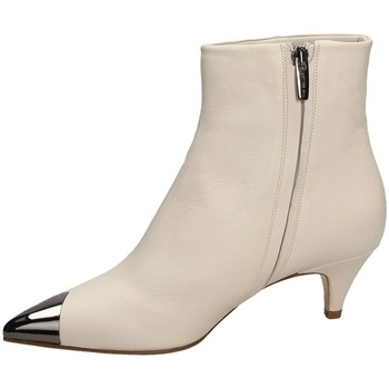Schoenen Dames Enkellaarzen The Seller NAPPA white-bianco