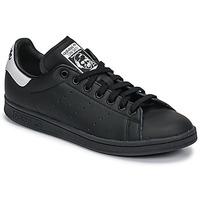 Schoenen Lage sneakers adidas Originals STAN SMITH Zwart / Wit