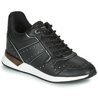 Schoenen Dames Lage sneakers Guess  Zwart