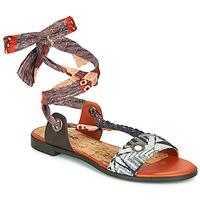 Schoenen Dames Sandalen / Open schoenen Desigual JUNGLE AFRICA Marine / Wit