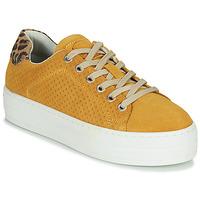 Schoenen Dames Lage sneakers Bullboxer 987033E5C Geel