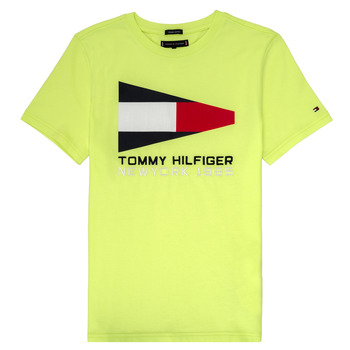 Textiel Jongens T-shirts korte mouwen Tommy Hilfiger KB0KB05628 Geel