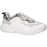 Schoenen Dames Lage sneakers Bullboxer Bull Boxer basket blanche 077003F5S Wit