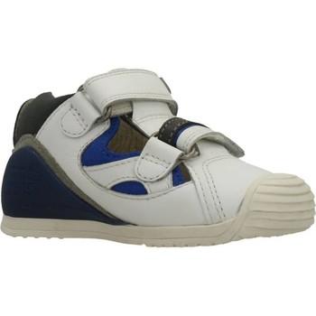 Schoenen Jongens Sandalen / Open schoenen Biomecanics SANDALIA SAUVAGE Wit