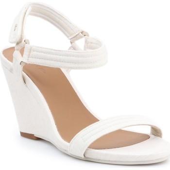 Schoenen Dames Sandalen / Open schoenen Lacoste Karoly 7-29SRW2314A75 beige