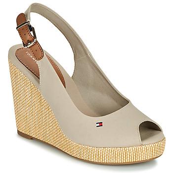 Schoenen Dames Sandalen / Open schoenen Tommy Hilfiger ICONIC ELENA SLING BACK WEDGE Taupe