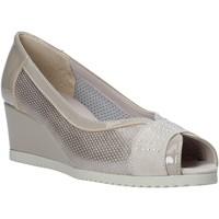 Schoenen Dames Sandalen / Open schoenen Comart 023353 Beige