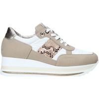 Schoenen Dames Lage sneakers Comart 1A3392 Wit