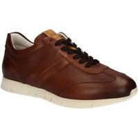 Schoenen Heren Lage sneakers Maritan G 140658 Bruin
