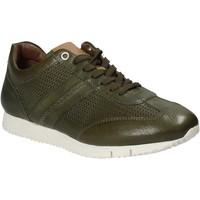 Schoenen Heren Lage sneakers Maritan G 140557 Groen