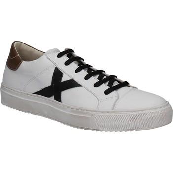 Schoenen Dames Lage sneakers Mally 7608 Wit