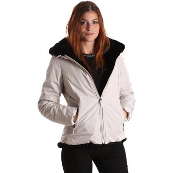Textiel Dames Jacks / Blazers Invicta 4431581/D Wit