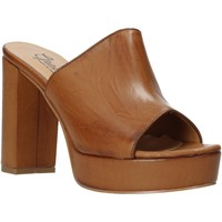 Schoenen Dames Leren slippers Grace Shoes 492PL008 Bruin