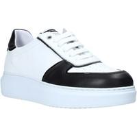 Schoenen Heren Lage sneakers Exton 956 Zwart