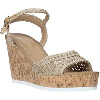 Schoenen Dames Sandalen / Open schoenen Gold&gold A20 GJ263 Beige