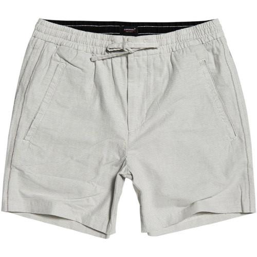 Textiel Heren Korte broeken / Bermuda's Superdry M7110019A Grijs