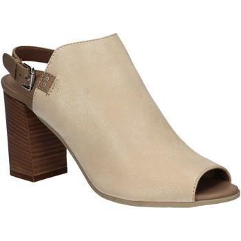 Schoenen Dames Sandalen / Open schoenen Mally 5738 Beige