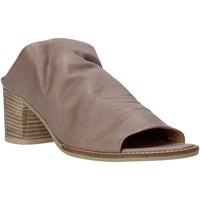 Schoenen Dames Leren slippers Bueno Shoes N6103 Grijs