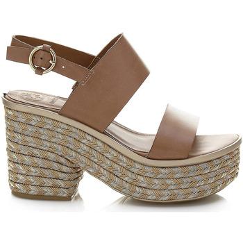 Schoenen Dames Sandalen / Open schoenen Guess FLNIN2 LEA03 Bruin