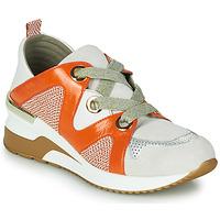 Schoenen Dames Lage sneakers Mam'Zelle VELODE Beige / Oranje