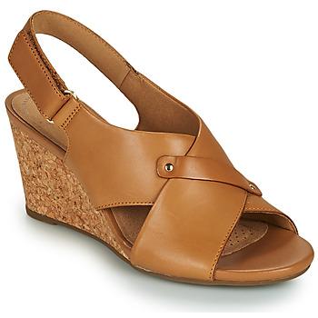 Schoenen Dames Sandalen / Open schoenen Clarks MARGEE EVE Beige