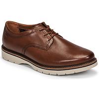 Schoenen Heren Derby Clarks BAYHILL PLAIN Bruin