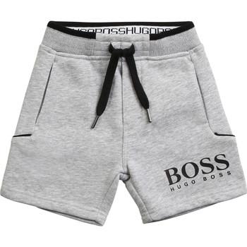 Textiel Jongens Korte broeken / Bermuda's BOSS J04M57-A32-C Grijs