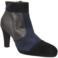 Schoenen Dames Enkellaarzen Brenda Zaro F97563 Zwart /Marineblauw