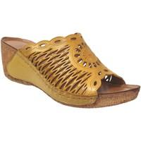 Schoenen Dames Leren slippers Karyoka Geni Geel leer