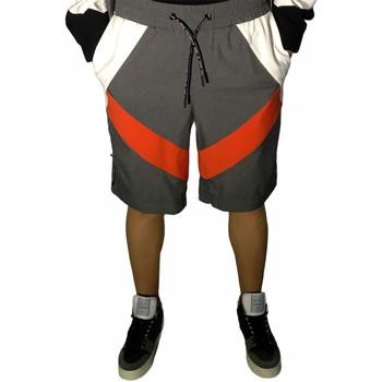 Textiel Heren Korte broeken / Bermuda's Richmond Sport UMP21043BEHB Grey/Red