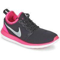 Lage sneakers Nike ROSHE TWO JUNIOR