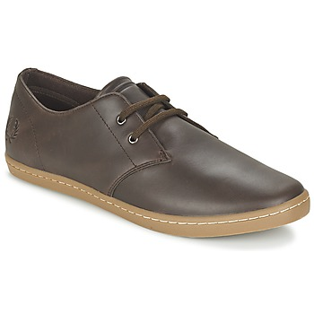 Schoenen Heren Lage sneakers Fred Perry BYRON LOW LEATHER Bruin