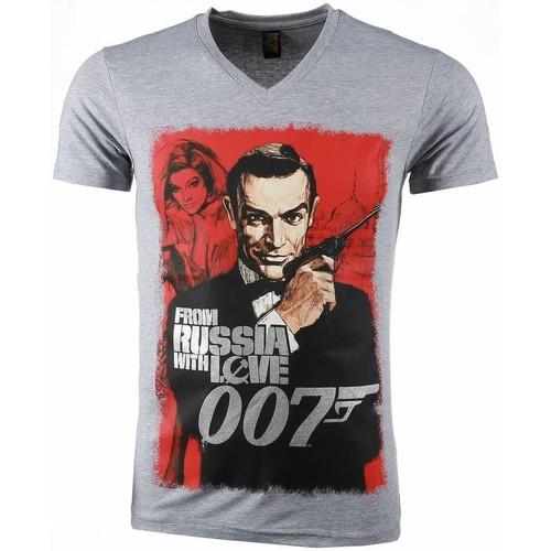 Textiel Heren T-shirts korte mouwen Local Fanatic James Bond From Russia  Print Grijs
