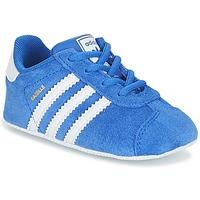 Schoenen Kinderen Lage sneakers adidas Originals GAZELLE CRIB Blauw