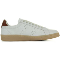 Schoenen Heren Lage sneakers Fred Perry Cracked Leather Porcelain Chesnut Bruin