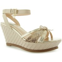 Schoenen Dames Sandalen / Open schoenen Guess HELWYN2 Zeppa Wedge Leather Nude