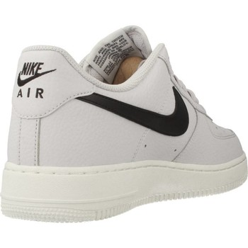 Schoenen Heren Lage sneakers Nike AIR FORCE 1 07 Grau