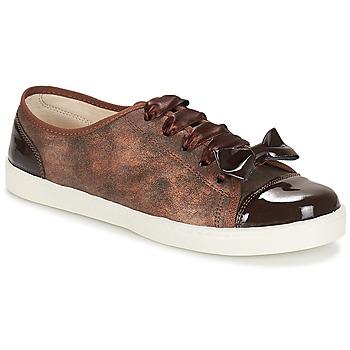 Schoenen Dames Lage sneakers André BOUTIQUE Bruin