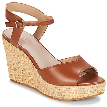 Schoenen Dames Sandalen / Open schoenen André BUNGALOW Cognac