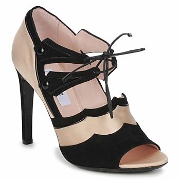 Schoenen Dames Sandalen / Open schoenen Moschino MA1601 Satijn-nude