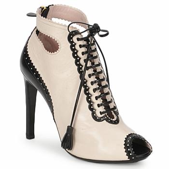 Schoenen Dames Low boots Moschino MA1602A Beige